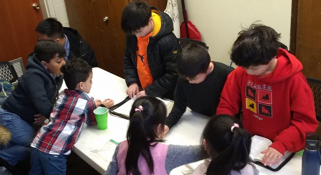 children-in-the-church-in-salt-lake-city-learn-Bible-verses